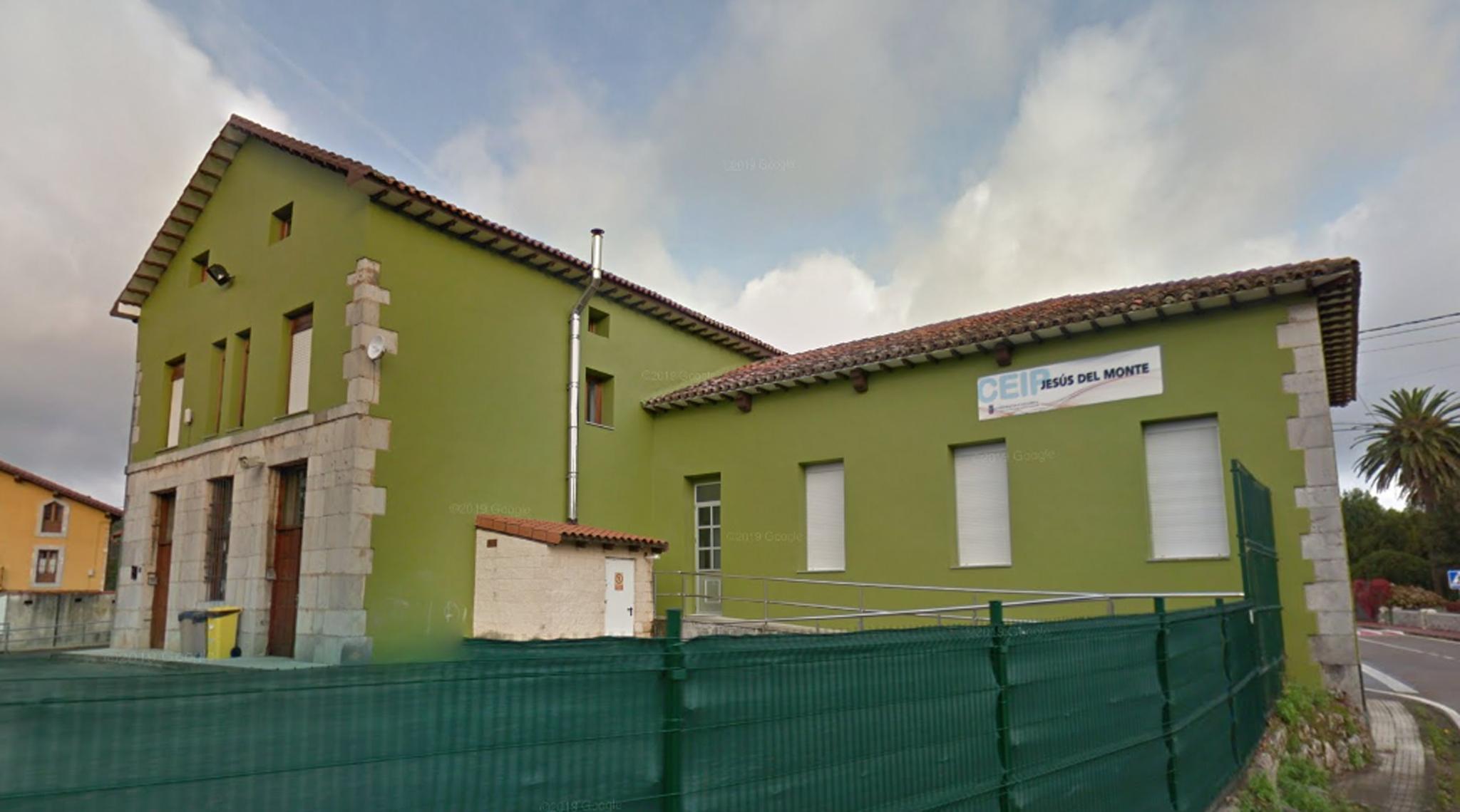 Colegio Jesús del Monte, en Hazas de Cesto.