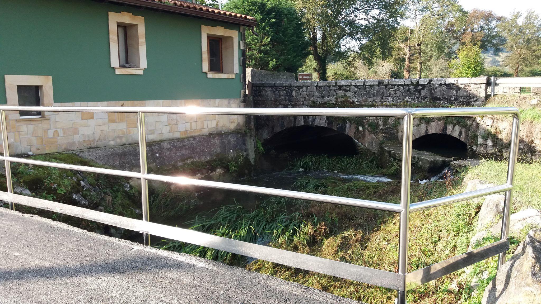 Barandillas obras puente entrada Tanaguillo